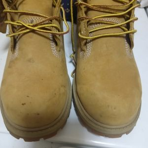 Pre owned. Timberland boots size 5m for women